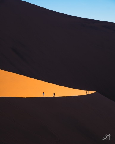 hikers on dune big daddy sossusvlei namibia photography roaming ralph