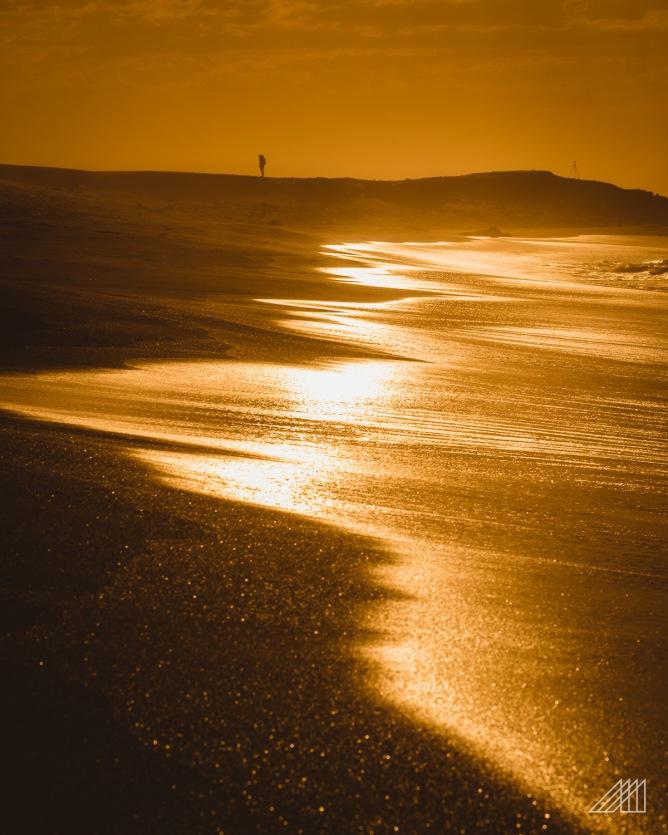 goldens sands mdumbi sunrise wild coast south africa photography roaming ralph