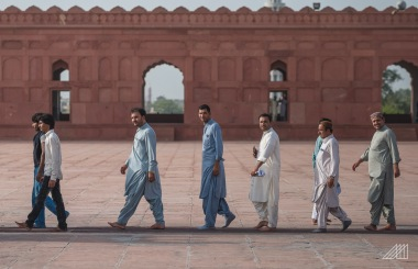men walking badshahi mosque lahore pakistan photography roaming ralph