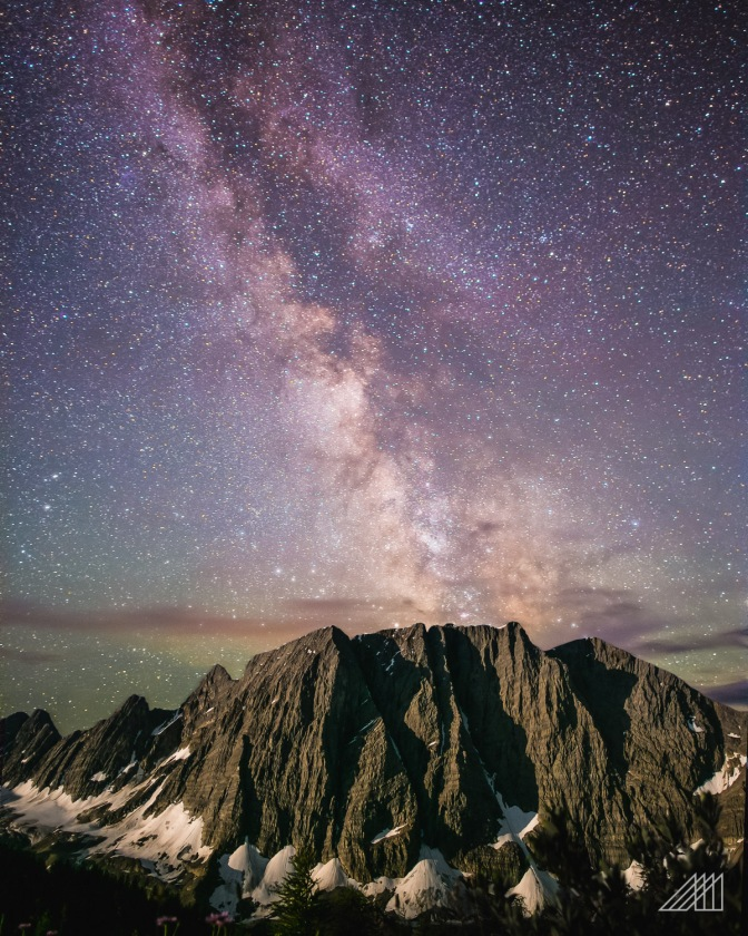 milky way behind floe peak british columbia astrophotograpy roaming ralph