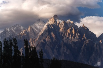 evening light strikes passu cathedral sunset humza pakistan photography roaming ralph