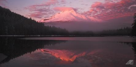 pink mt hood sunset trillium lake oregon photography roaming ralph