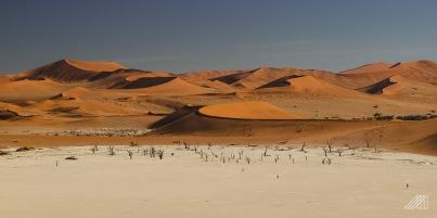 sossusvlei dunes namibia photography roaming ralph