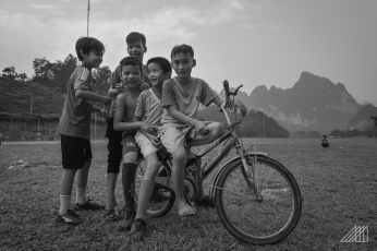 children-in-vietnam