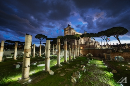 night at roman forum rome
